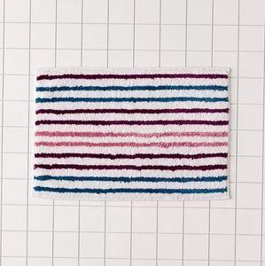 NWT UO Tufted Stripe Bath Mat